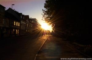 midnight-sun-tromso-street